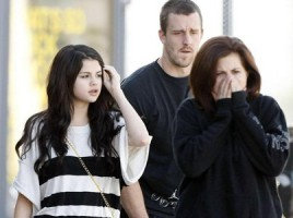 Selena Gomez's Seeks the Support of Her Family